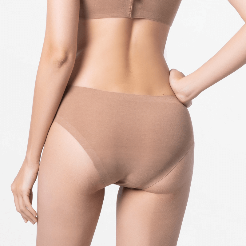 Seamless bikini briefs with super fit extremely soft Micromodal
