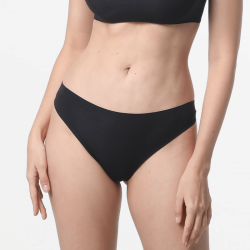 Seamless black thong with super soft Modal