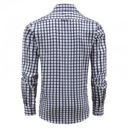 Les hommes chemise à manches longues avec des boutons, modèle coupe large
